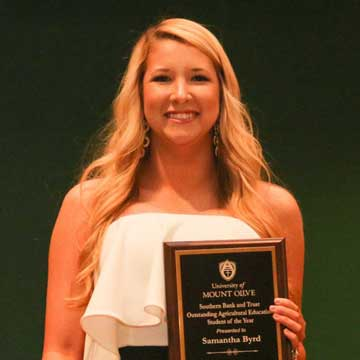Cumberland County Students Receive Awards at the University of Mount Olive