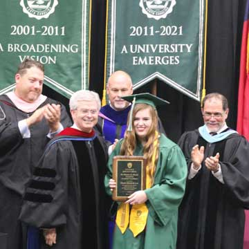Micah Lee Receives Morris Award for Academic Excellence at UMO