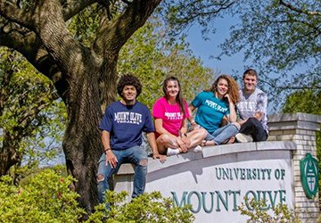 Duplin and Mount Olive Students Encouraged to Apply for Scholarship Money